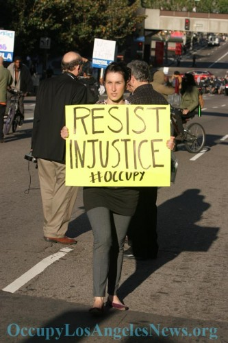 Occupy Journalists Stopped, Searched, Handcuffed & Interrogated at Gunpoint