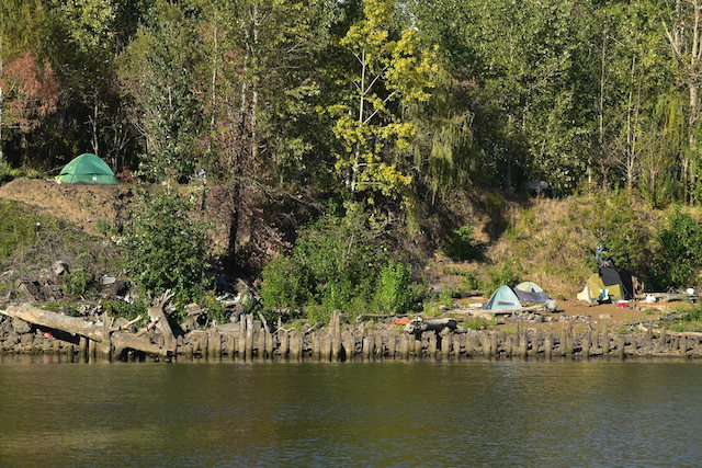 An Afternoon on the Willamette River Dredges Up New Horror Faced by the Houseless